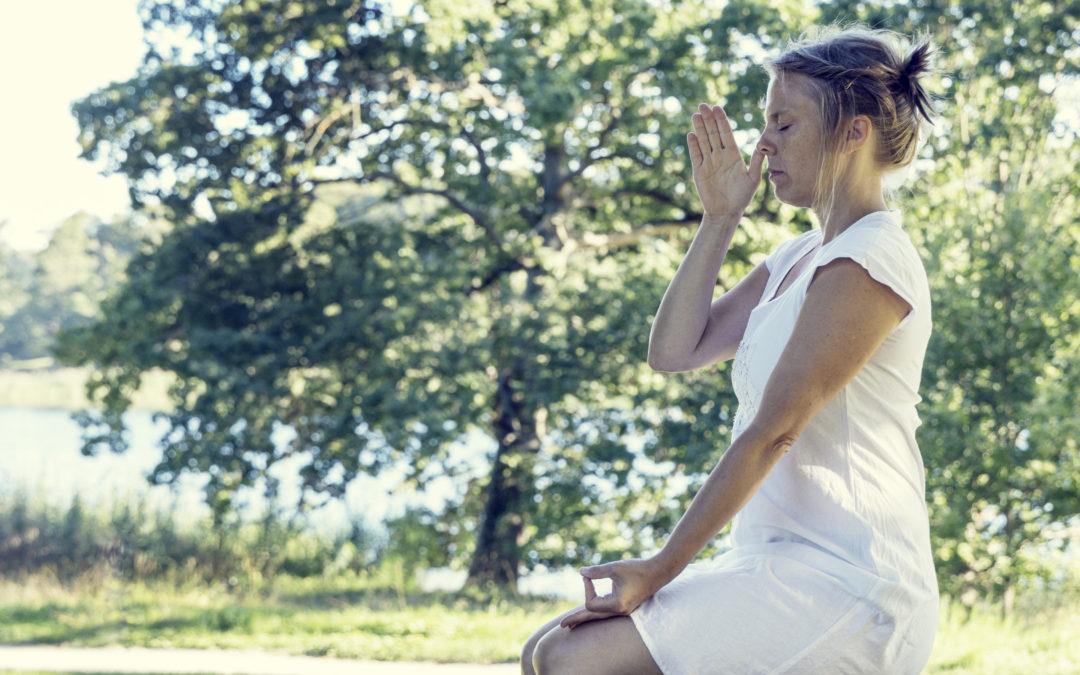 Veckans kundaliniyoga: Rensa bort negativitet och spänningar