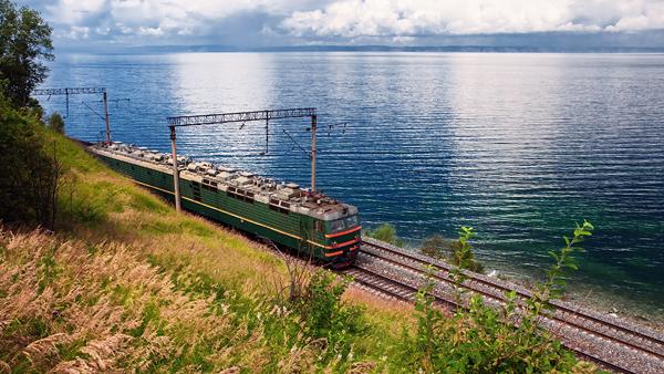 Transsibiriska järnvägen (foto lånat från Iventustravel.se), som jag åkte när jag var 25 år. En fantastisk resa!