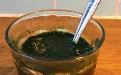 Kanske det äckligaste som går att dricka - spirulina utblandat med vatten. Som att dricka grumligt sjövatten. Blä!