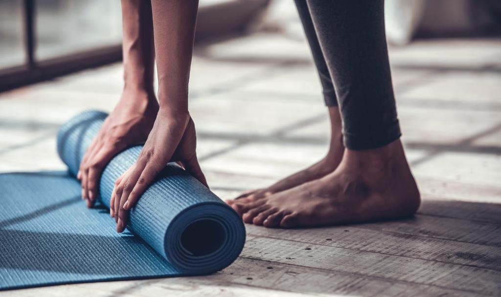 Gör en omstart med 5 minuter på yogamattan