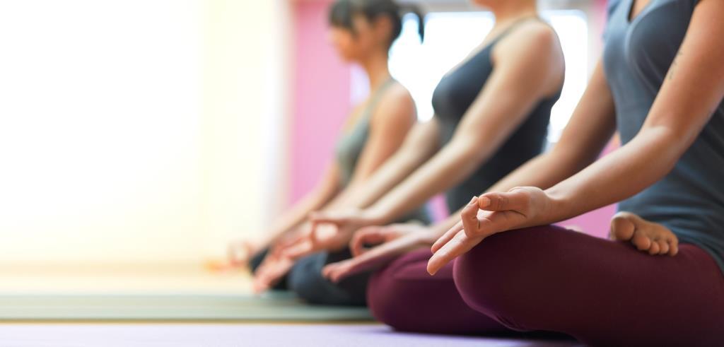 16 minuter balanserande yoga för vatatider