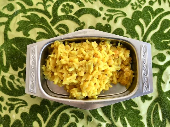 Recept: Kryddigt citronris med röda linser